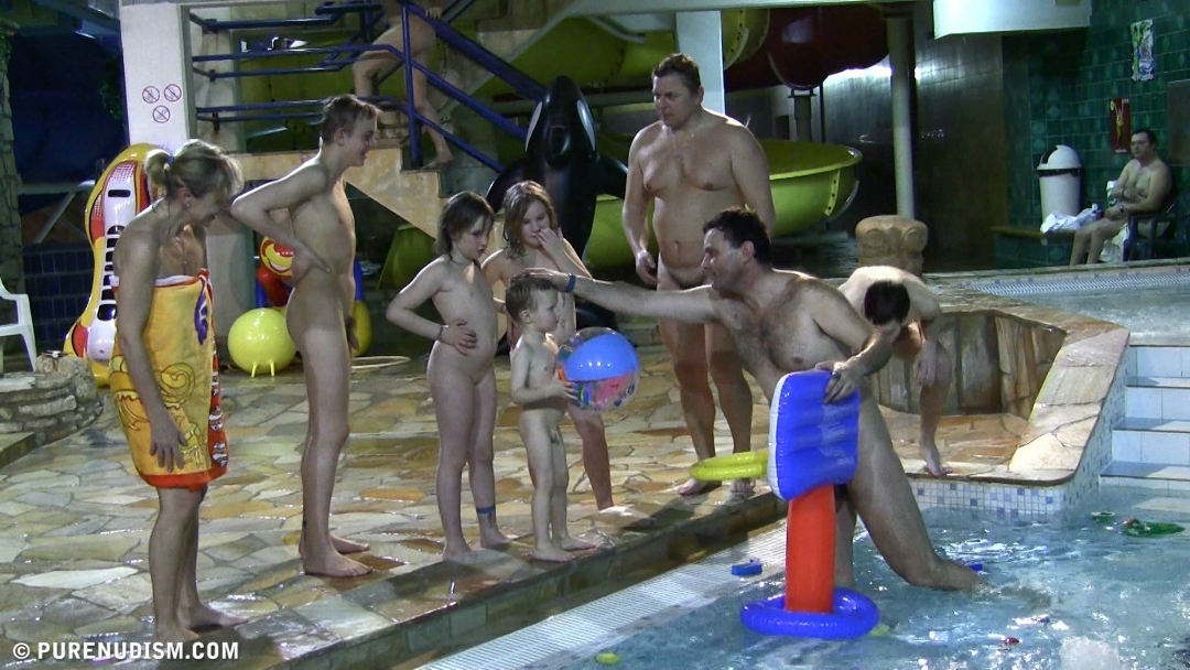 Aqua Nude Relaxation