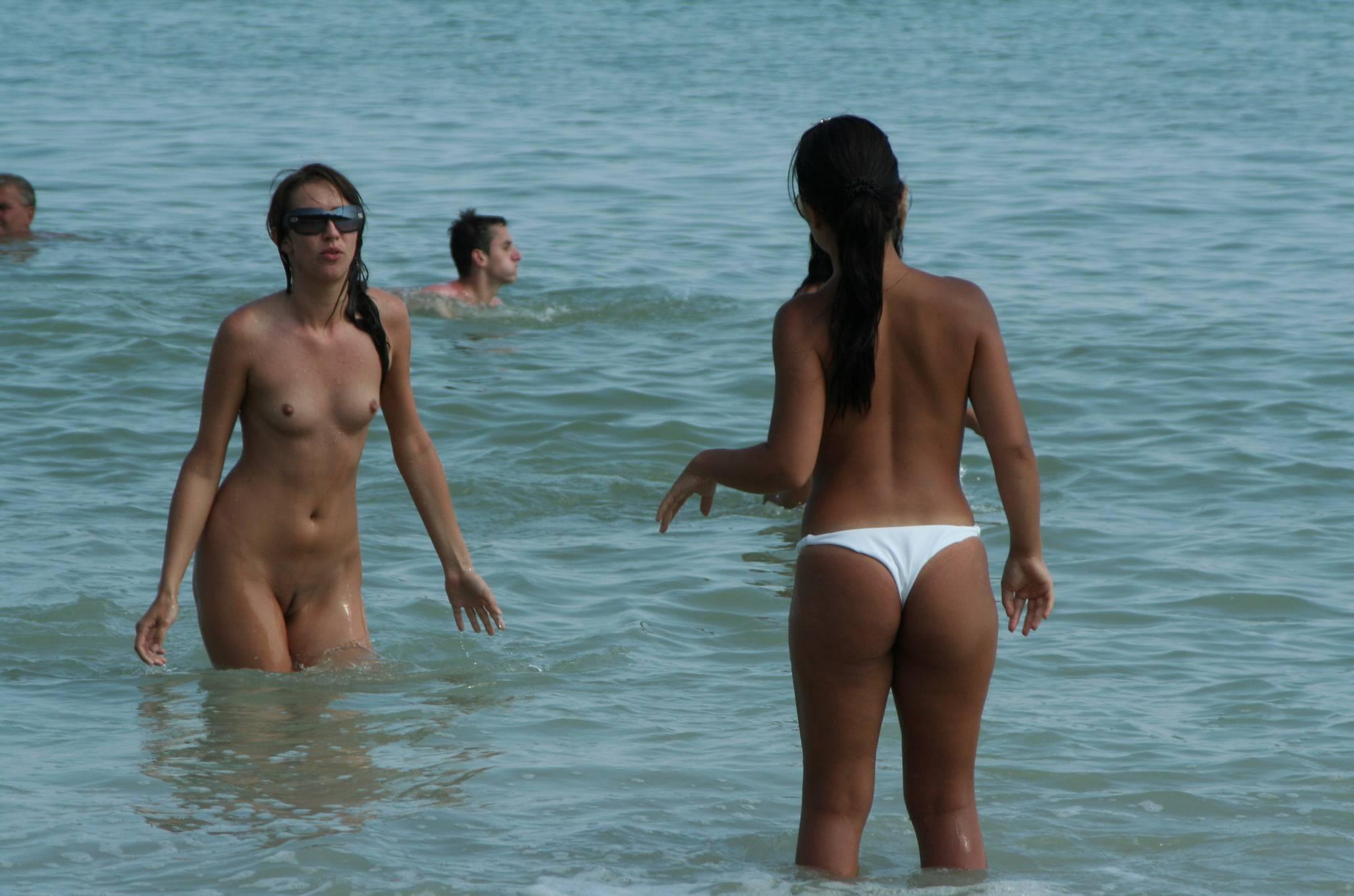 Costinesti Female Scene - 2