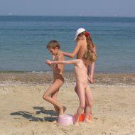 Kids Beach Bucket Games