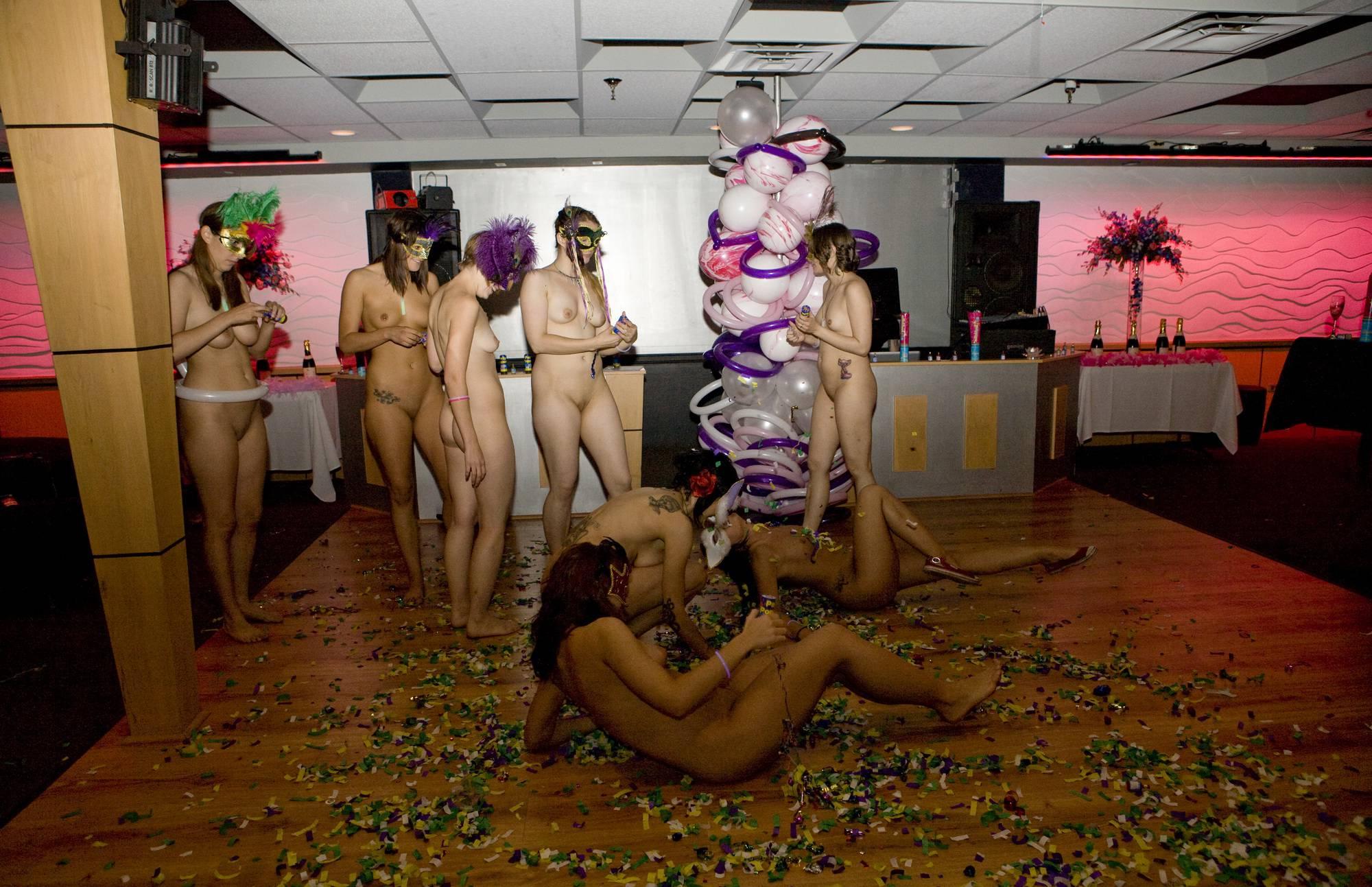 Nudist Pictures Masquerade Confeti Play - 2