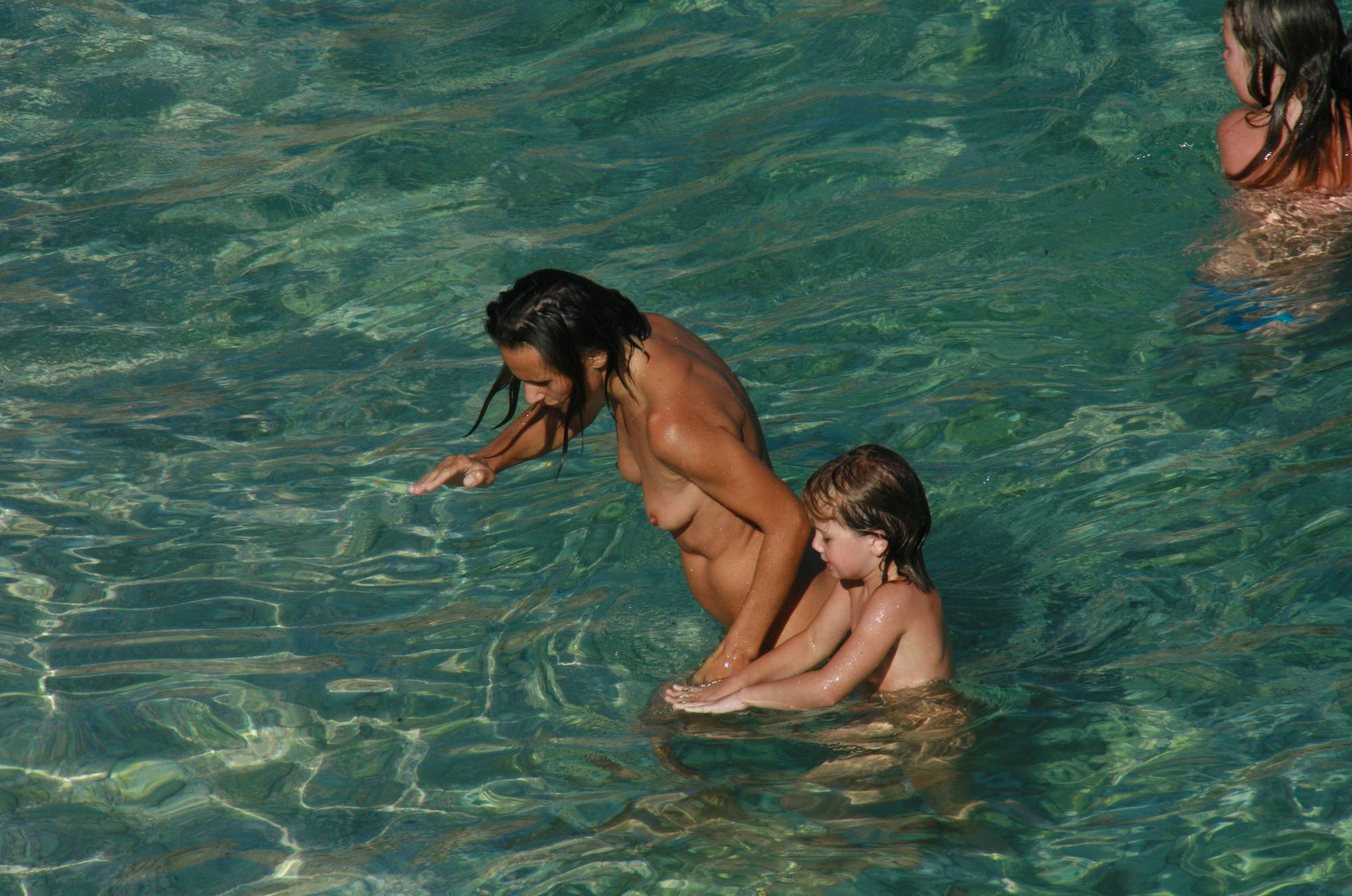 Nudist Pictures Mother and Daughter Beach - 2