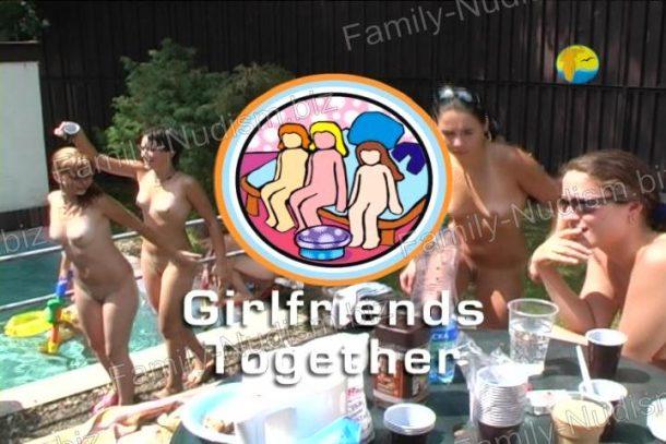 Girlfriends Together - screenshot