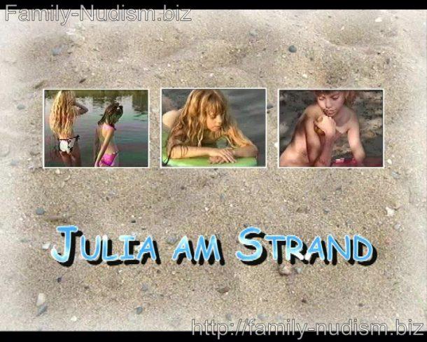 Naturistin.com - Julia am Strand