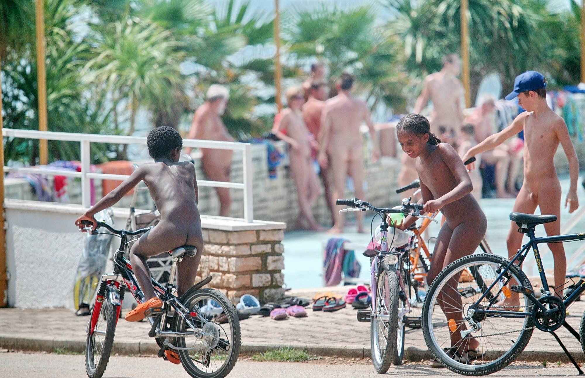 Naturist Pool Bike Rack - 2