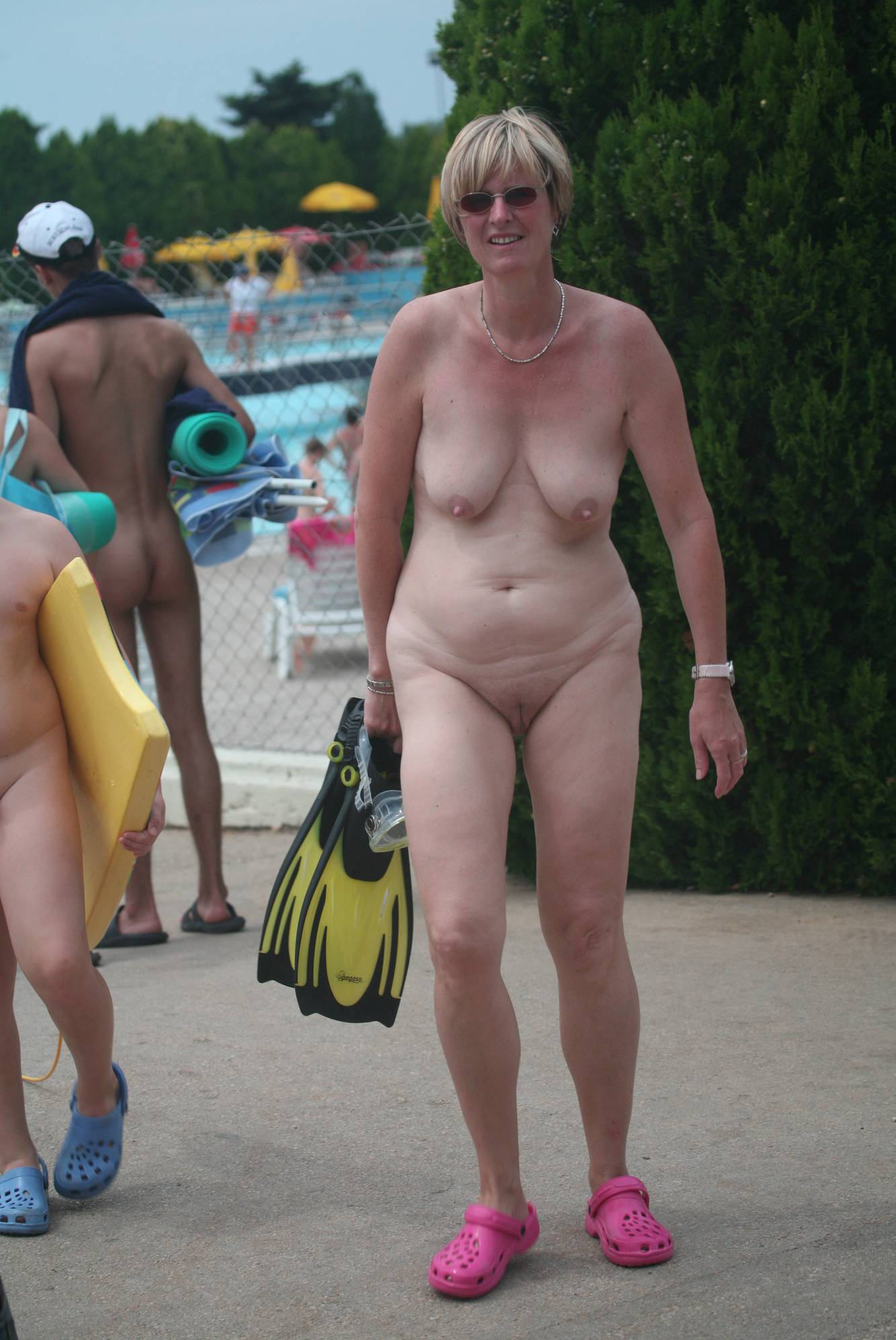 Naturist Pool Exit Stand-By - 2