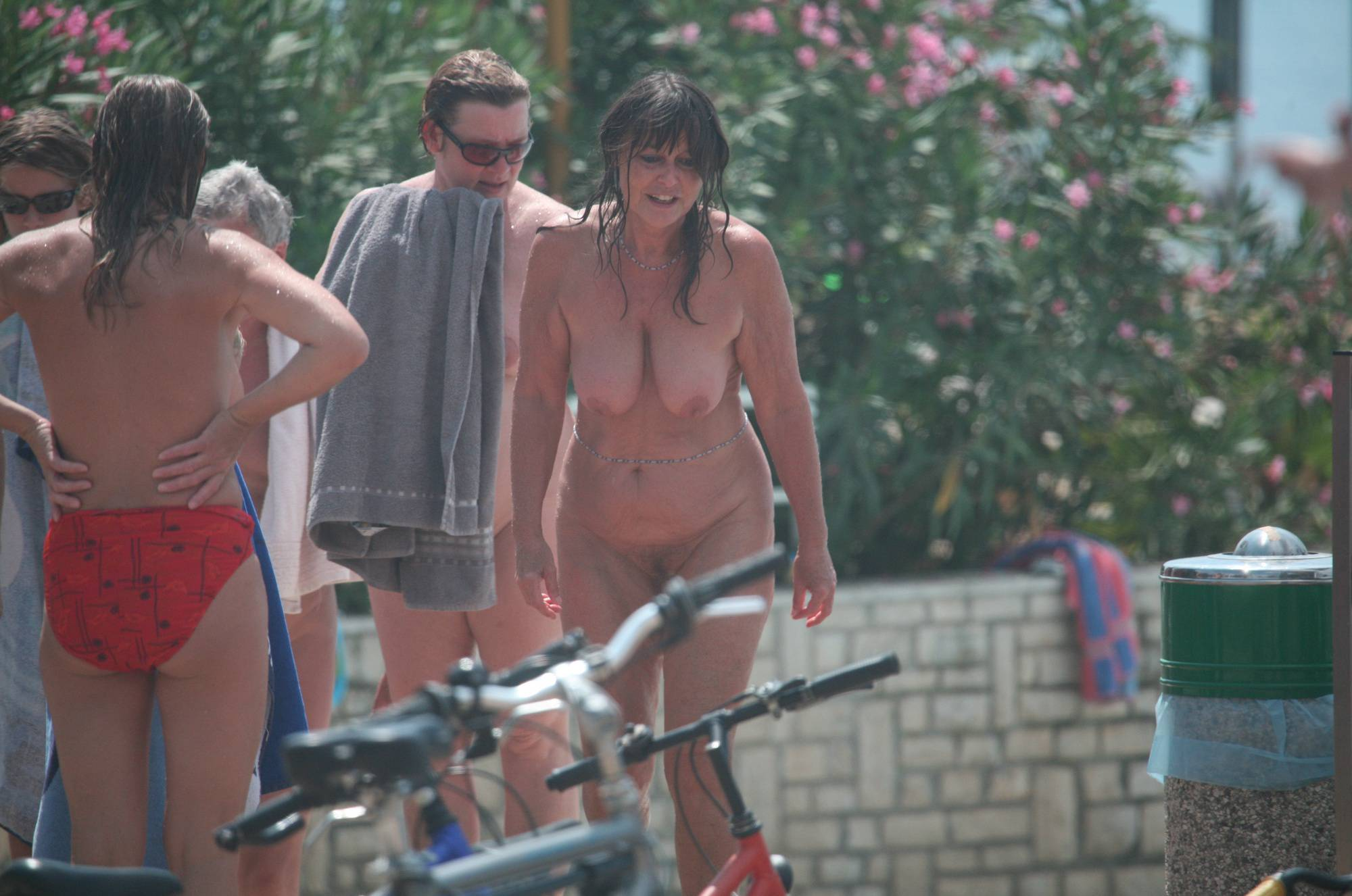 Pure Nudism Images Nuda Pool Guest Outskirts - 1
