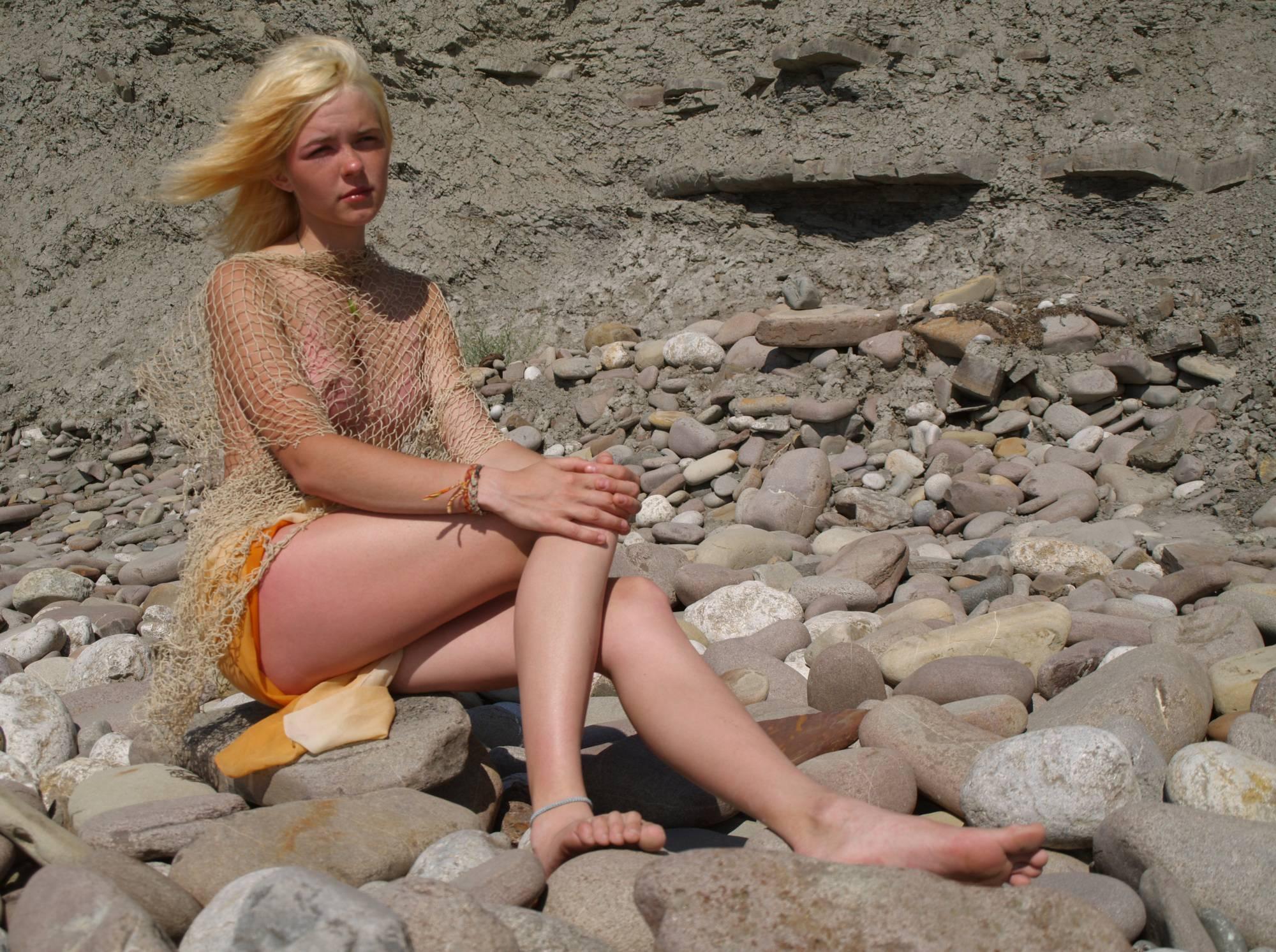 Blonde Beach Rock Beauty - 2