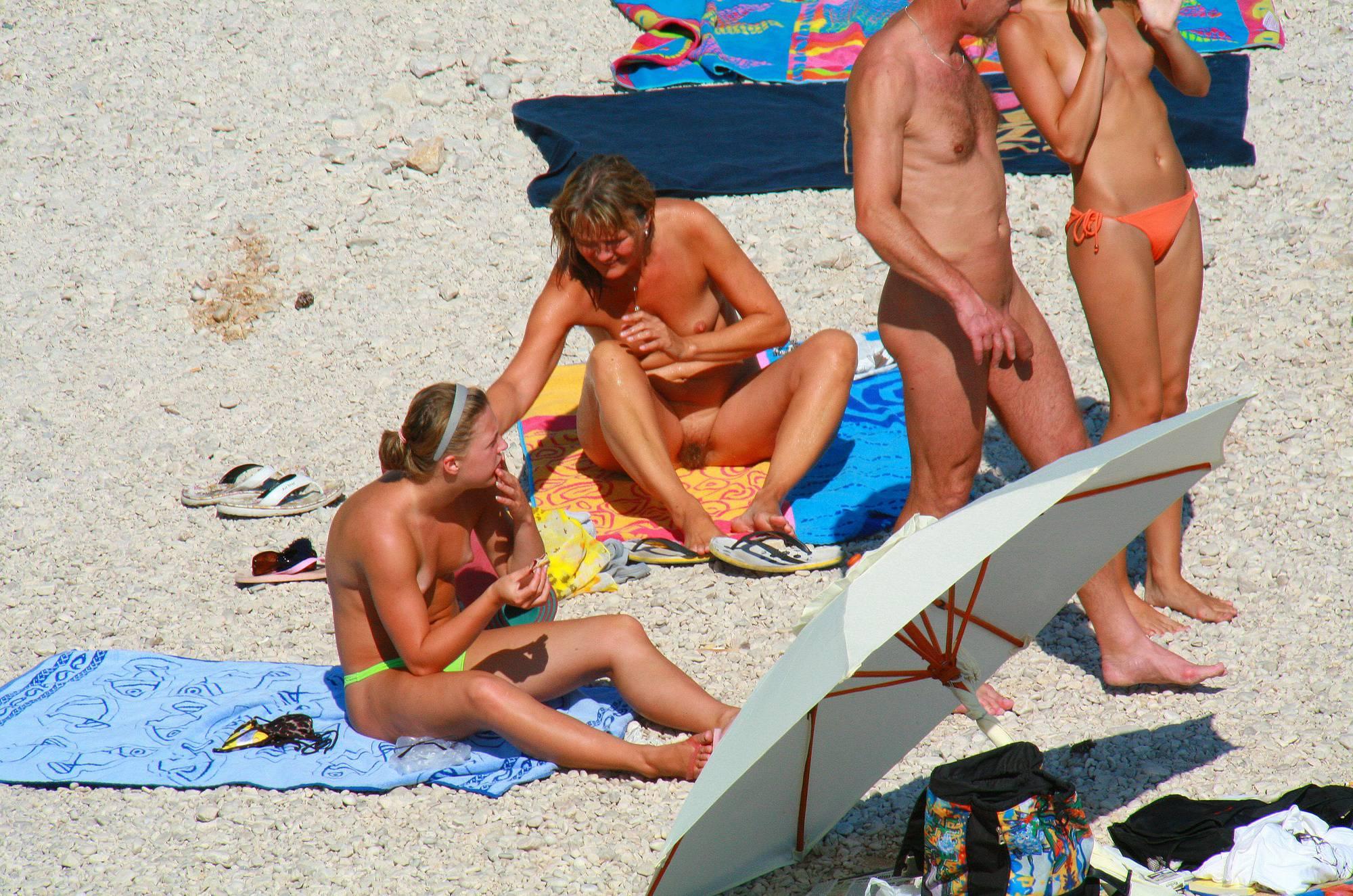 Nudist Photos Ula FKK Topless Sister Site - 1
