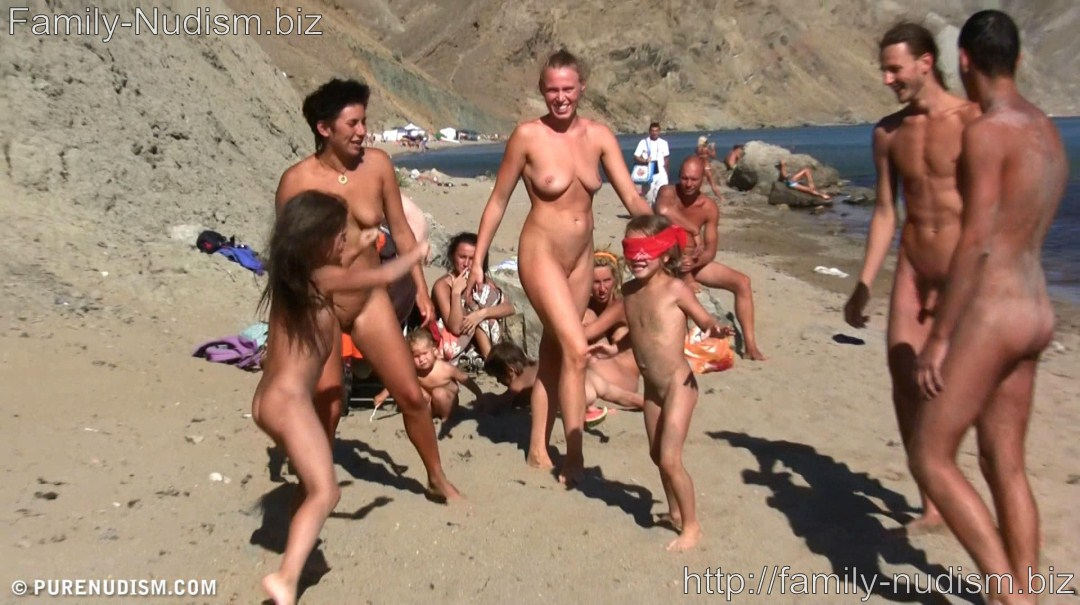 Purenudism Pictures and Videos • Family-Nudism.biz: http://family-nudism.biz/purenudism/