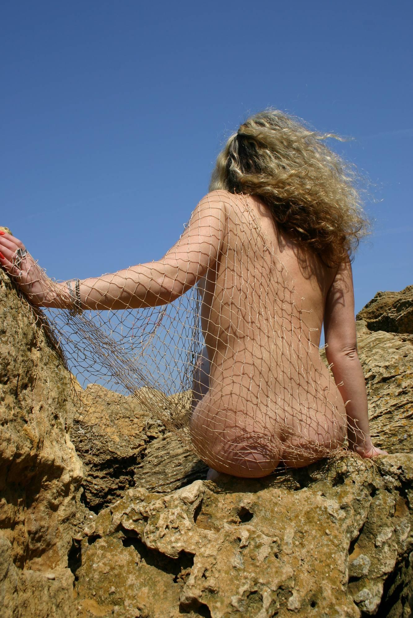 Mother Nude Mountain Net - 2