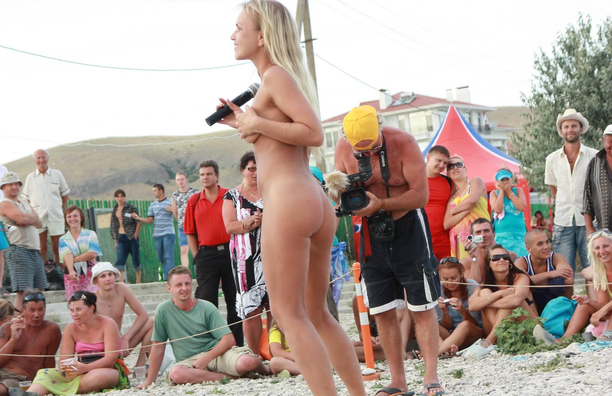 Neptune Blonde Girl Dance - 2