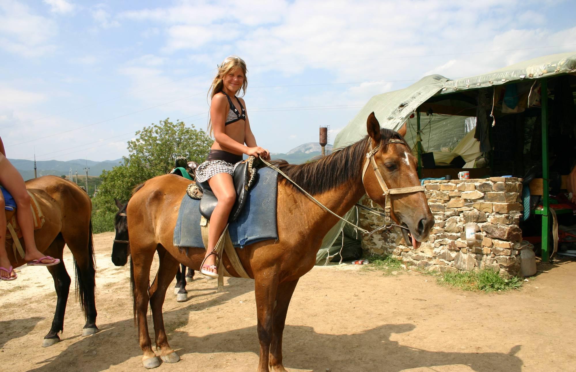 Purenudism Pics Horses Close and Personal - 2