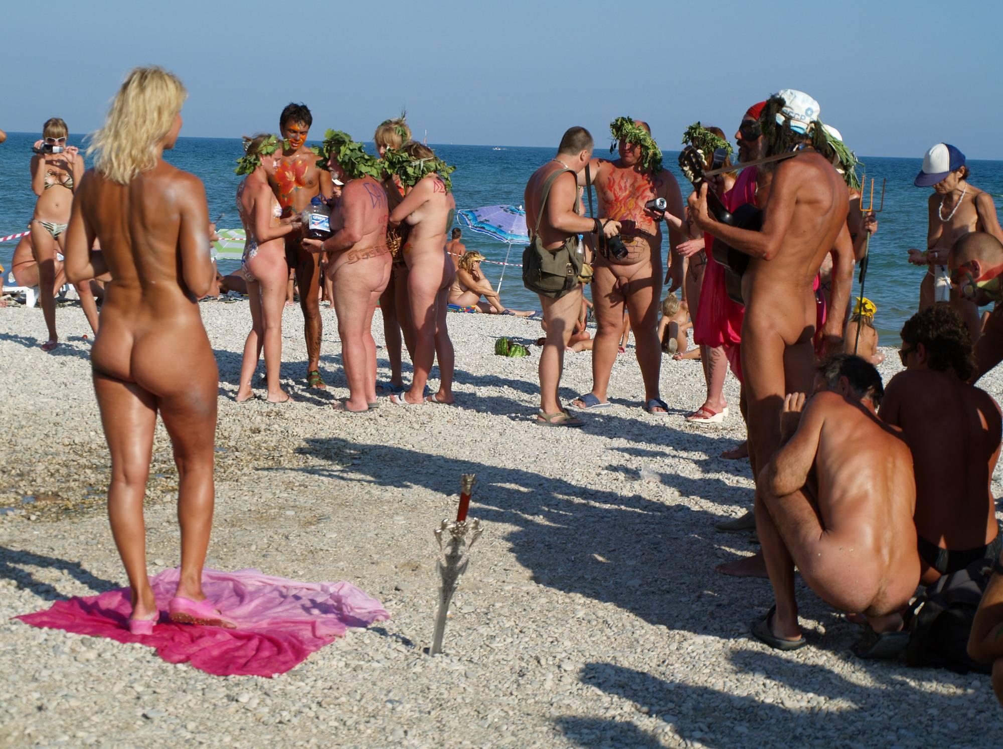 Pure Nudism Images Red Cape Naturist Escorts - 1