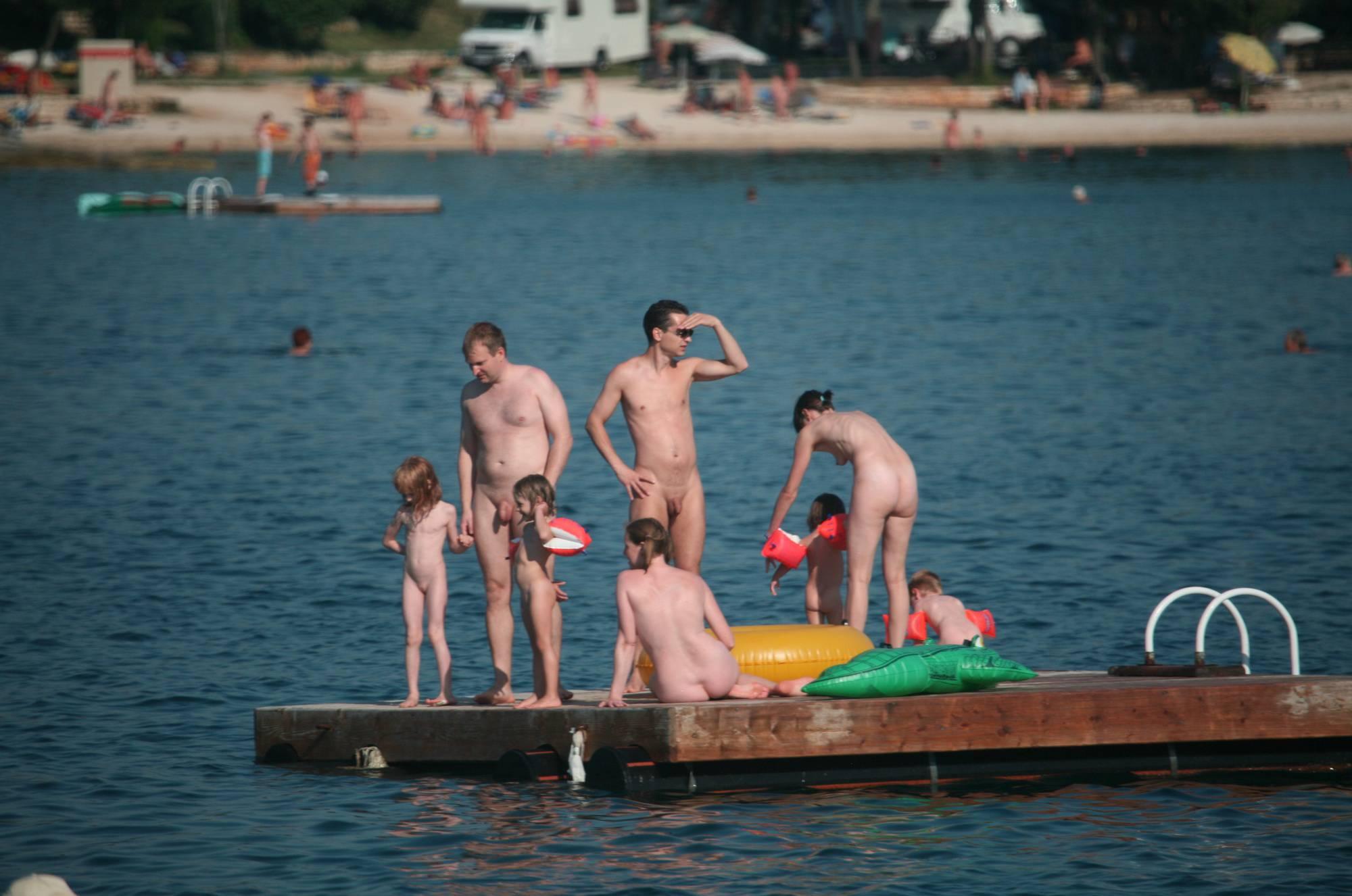 Purenudism Pics Naturist Family Water Slab - 2