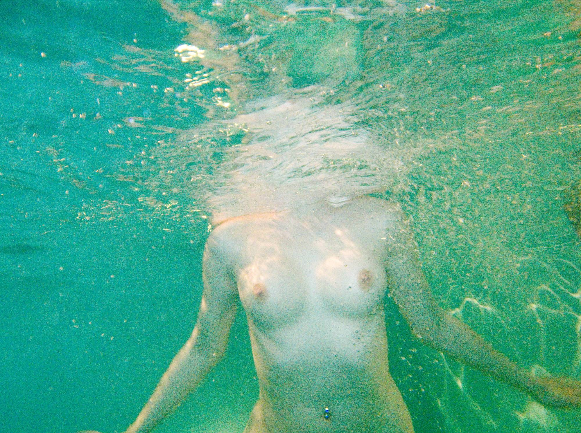 Pure Nudism Images Soft Spa Underwater Girls - 1