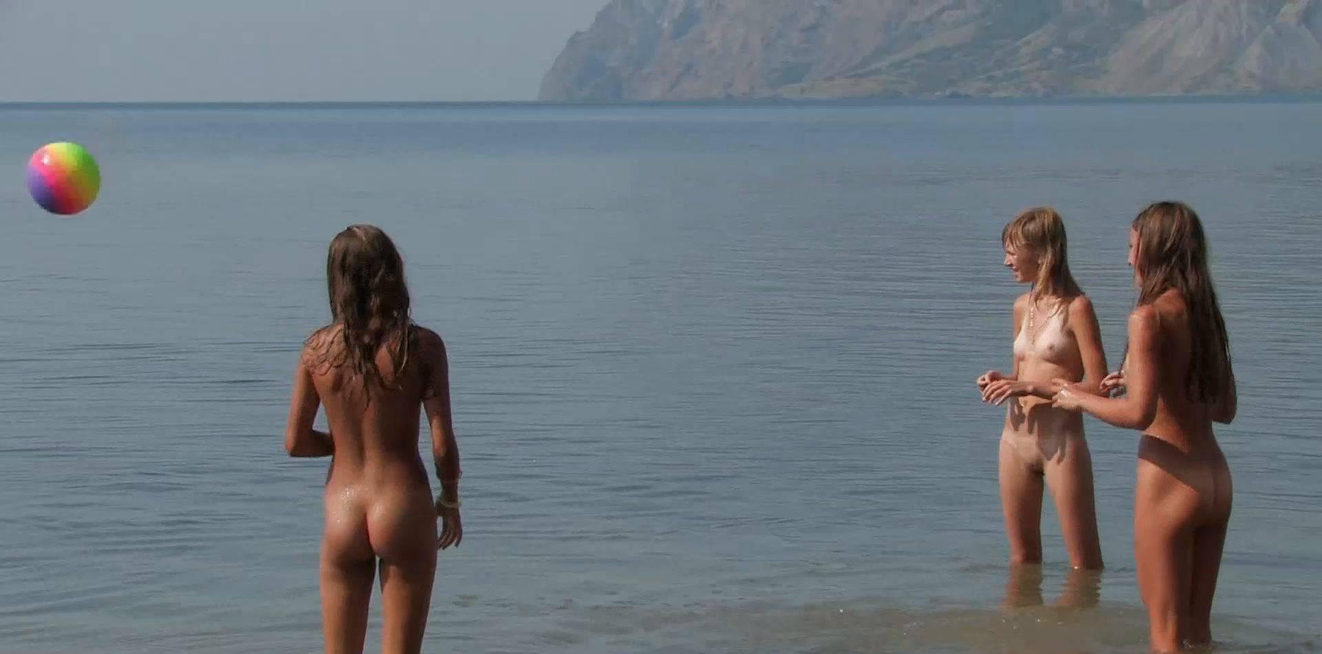 Candid-HD Teen Nudists on Holiday 2 - 1